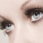 Blaue Augen einer Frau